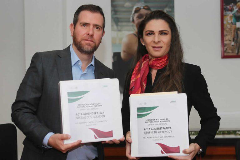 Firma Ana Guevara acta de entrega-recepción de la CONADE