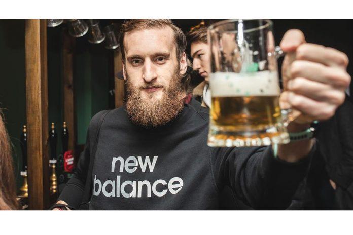 New Balance y Strava abren un bar donde puedes pagar con kilómetros tu cerveza