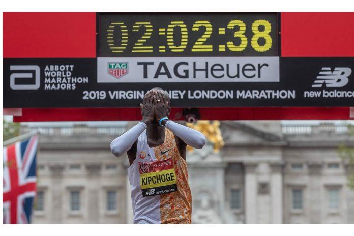 Kipchoge coronó al rey de la Maratón de Londres con la cuarta victoria y el nuevo récord de ruta 2:02:37
