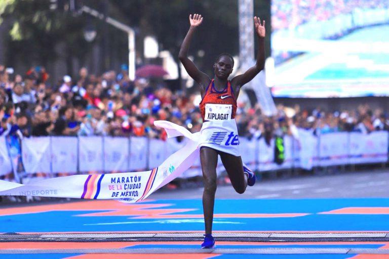 Rompe récord absoluto keniata Kiplagat en Maratón de la Ciudad de México Telcel 2019