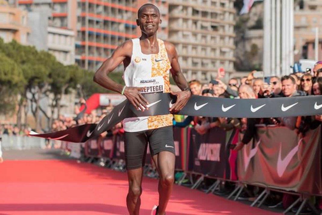 Cheptegei rompe el récord mundial de 5 km en Mónaco con un tiempo de 12: 51