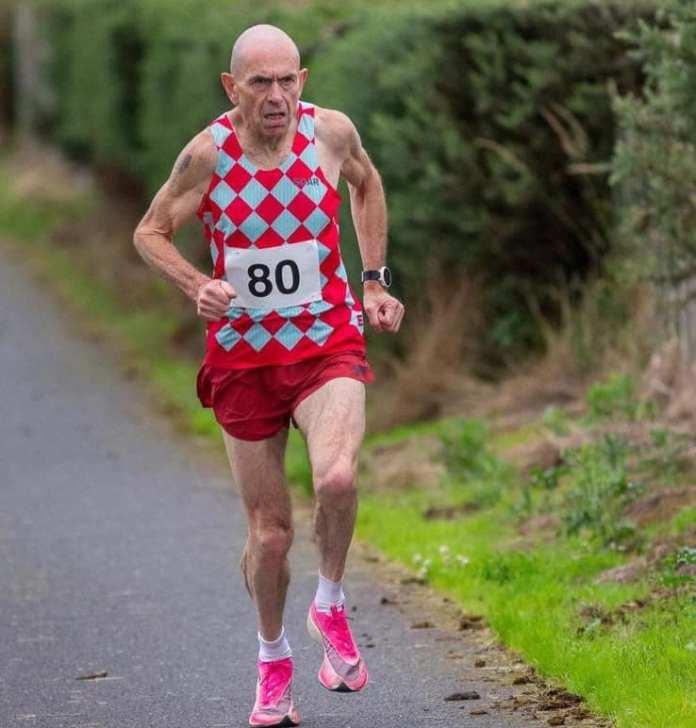 Tommy Hughes récord del mundo en maratón mayores de 60 con 2:30:02