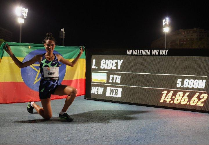 Nuevo récord mundial femenil en 5000 metros de la etíope Letesenbet Gidey