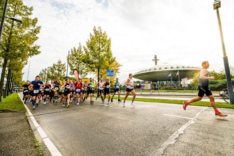 Maratón Eindhoven disfruta de la magia de correr en los Países Bajos
