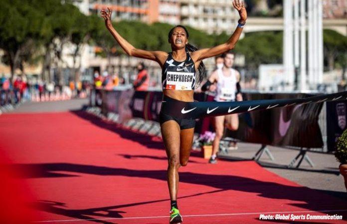 Beatrice Chepkoech consigue el récord del mundo en los 5k