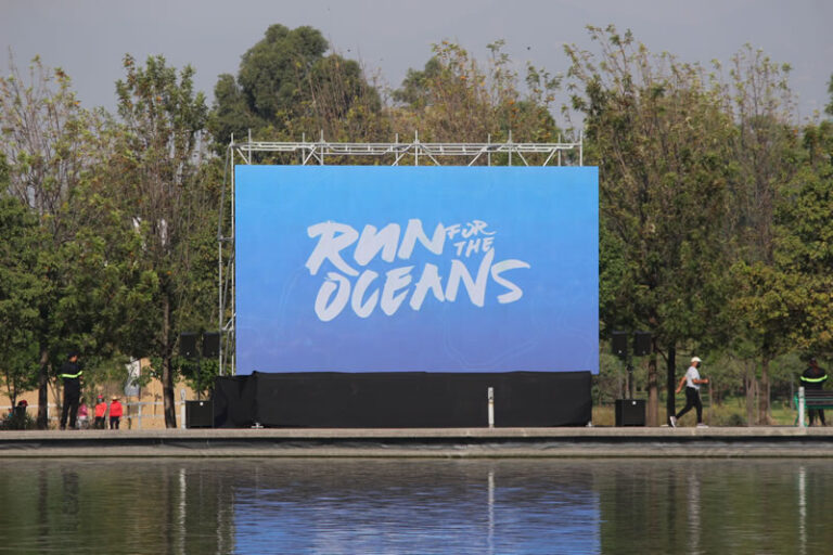 Presentan Run For The Oceans en el Parque Bicentenario de la Ciudad de México.