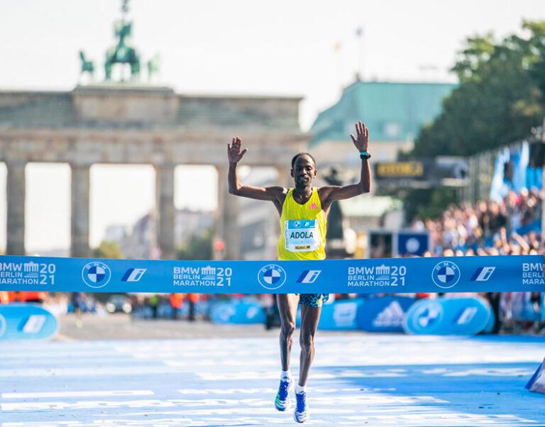 El etíope Guye Adola gana el Maratón de Berlín redefiniendo la velocidad